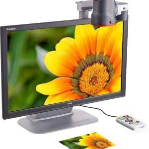 Une photo de fleur grossie avec le téléagrandisseur Govision