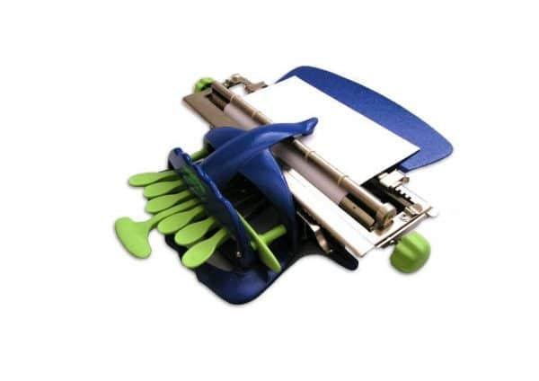 machine à écrire Dactybraille de couleur bleue