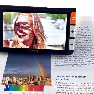 CLOVER6 une loupe électronique avec image grossie sur l'écran